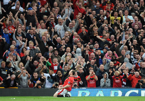 Rooney celebrando un gol